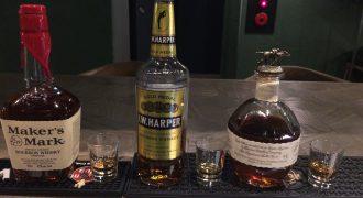 三種類のバーボンの瓶