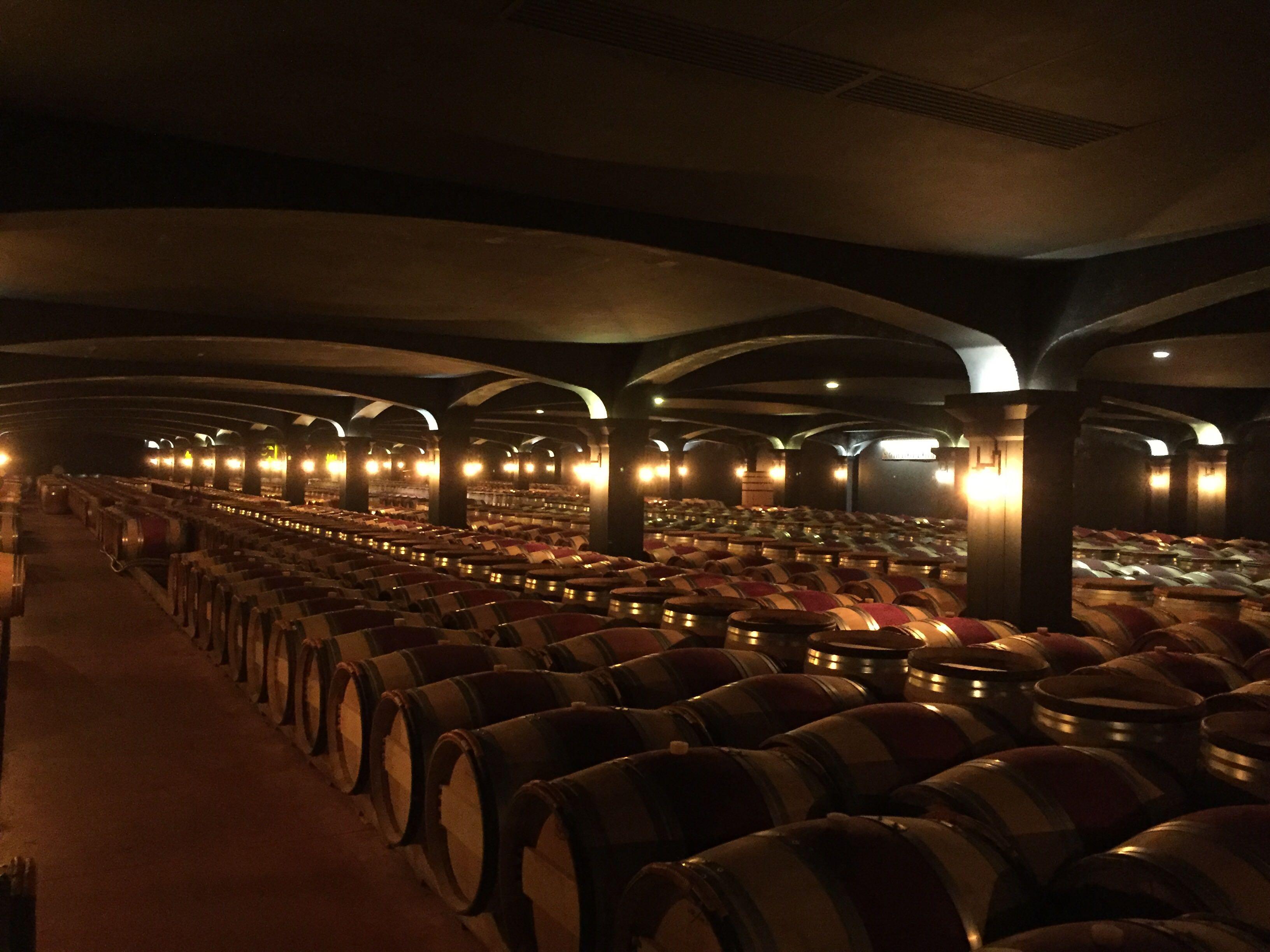 ボルドーワインの樽