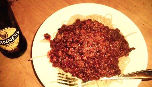 手作りのスパゲッティボロネーゼ