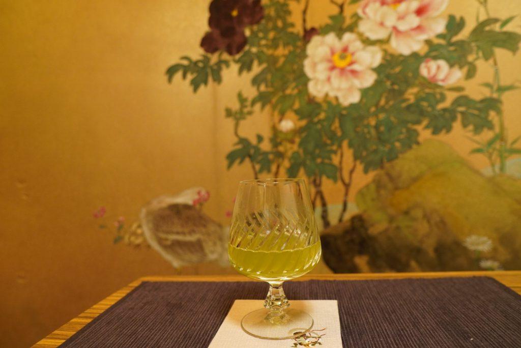 日本酒と緑茶のカクテル