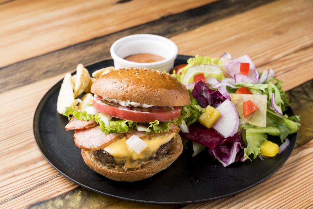 FOODCLUB金沢のハンバーガー