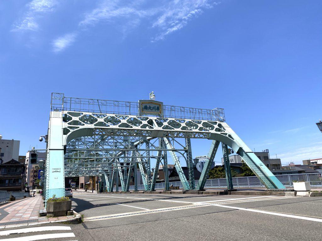 石川県金沢の犀川大橋