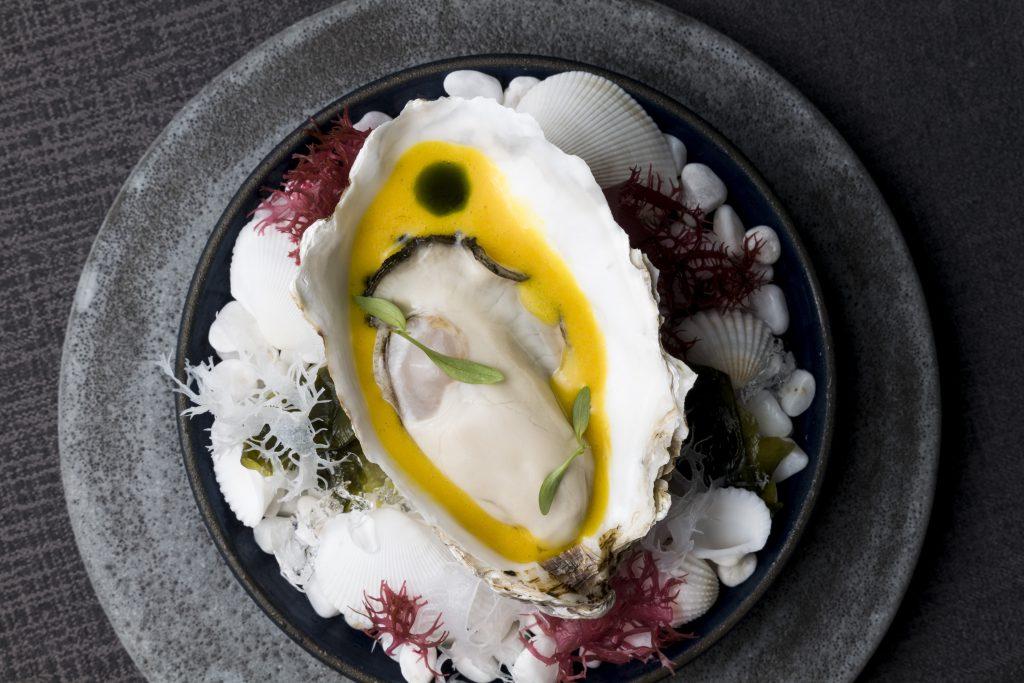 金沢A_RESTAURANTの生牡蠣