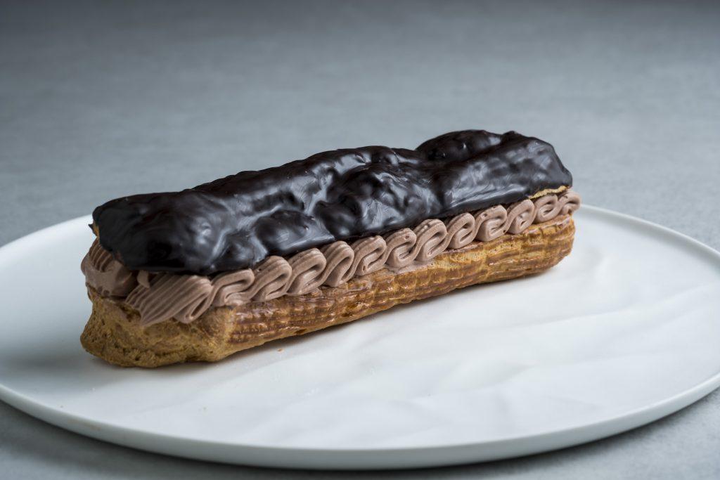 20cm超えの大きなエクレアチョコレート